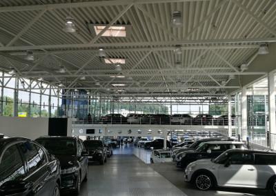 LED Pendelleuchte Aura Verkaufsraum Autohaus BMW