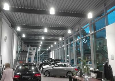 Aura LED Hallenleuchte Verkaufsraum Mercedes