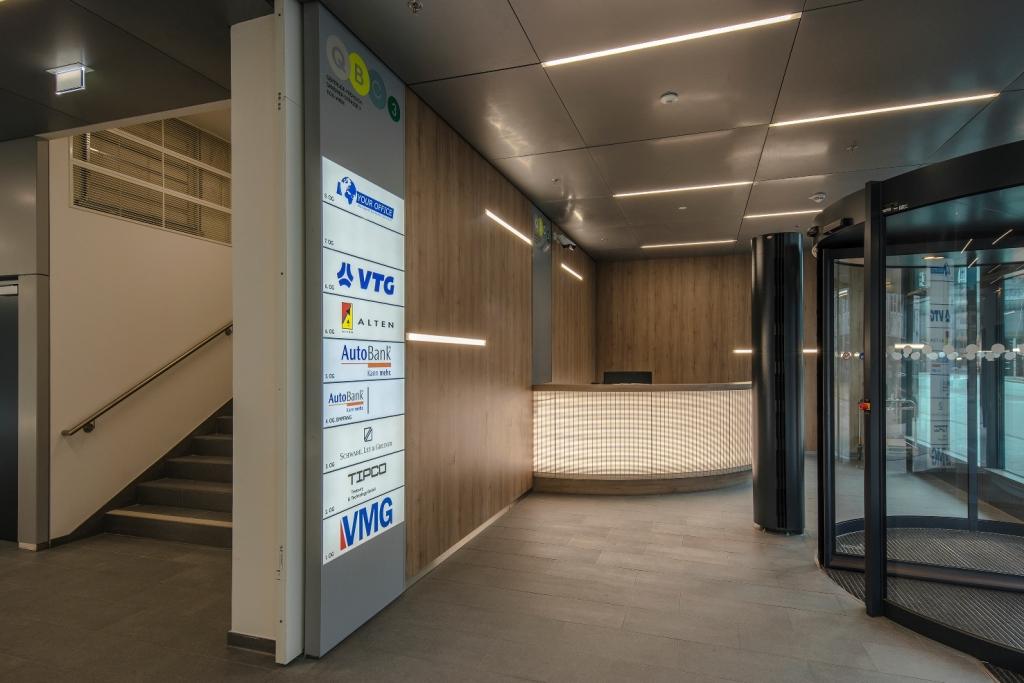 LineM LED Profilleuchte Lobby SML