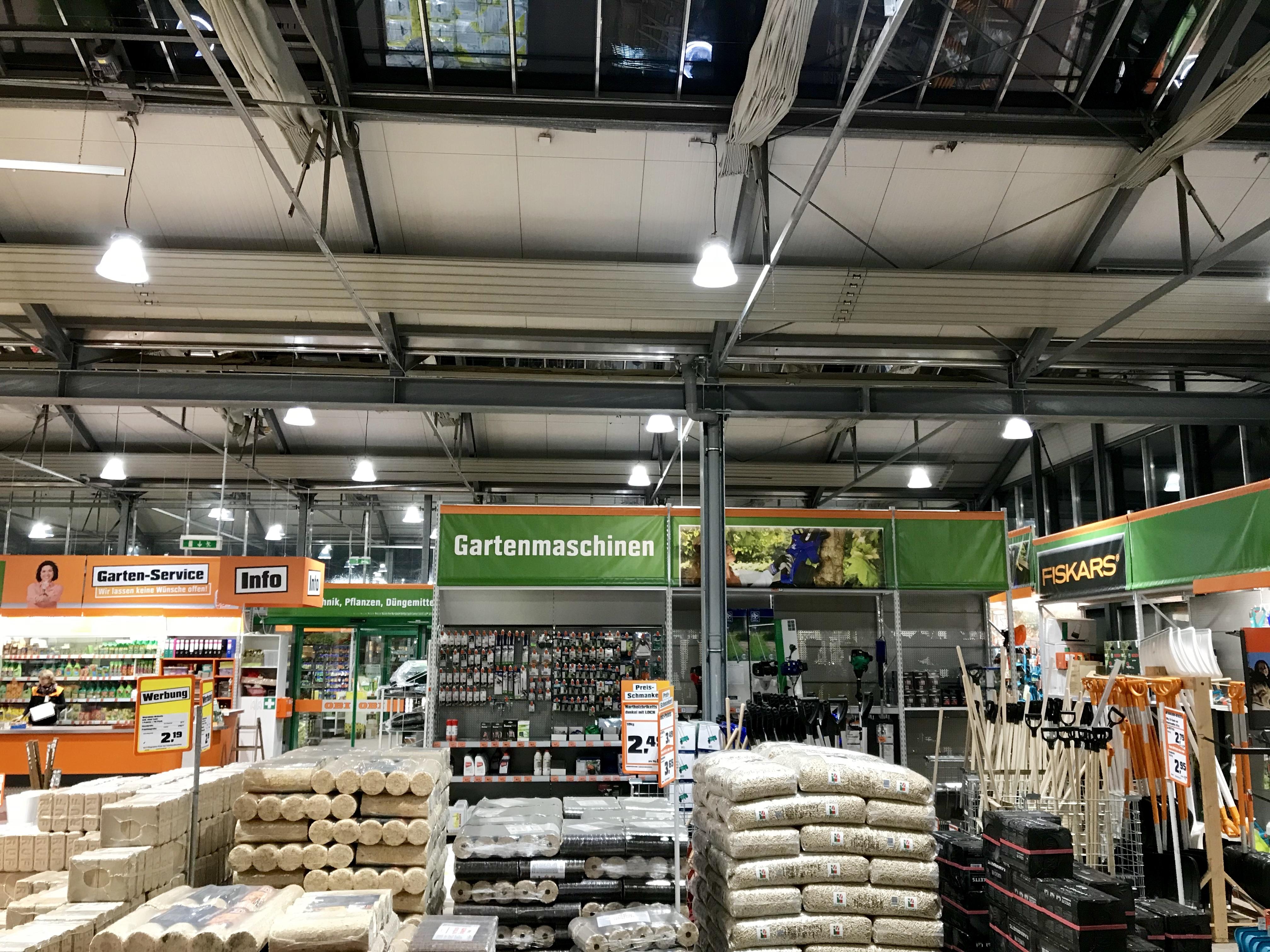 OBI Markt Aura LED Hallenleuchte
