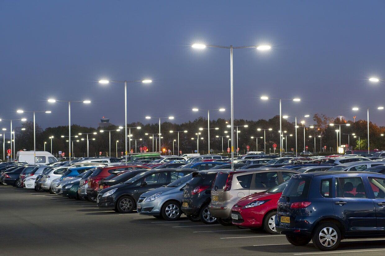 LED Fluter Solax Parkplatzbeleuchtung